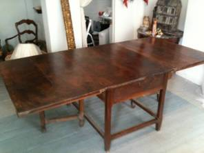 French 19th large drop leaf dining table